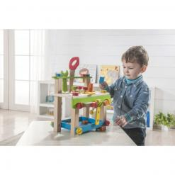 child-playing-everearth-workbench