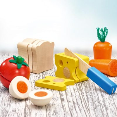 Selecta wooden chop up picnic set